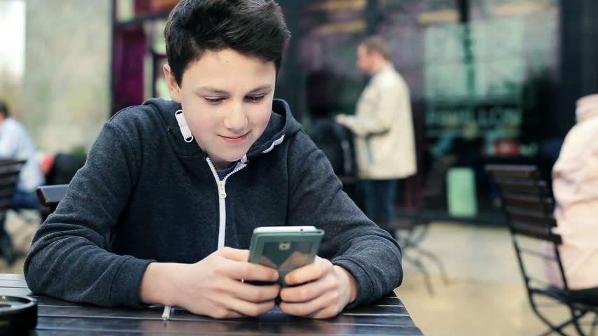 Несовершеннолетним разрешат заниматься бизнесом